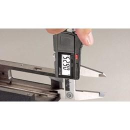 Paquímetro Digital 200mm X 8 [ EC799A-8/200 ] - Starrett Metrologia